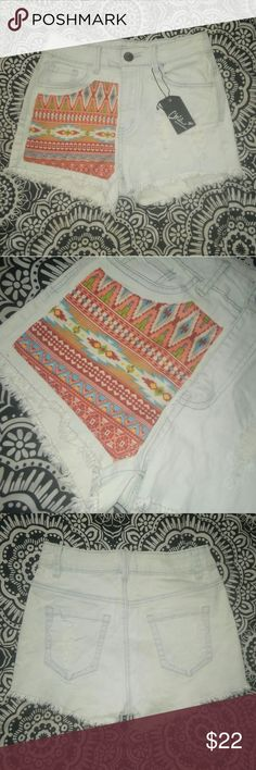 "🆕 Aztec Print Distressed Jean Shorts NWT Light wash distressed jean shorts with colorful tribal design * NWT* Size Medium * Brand ""ChiQle"" * Offers accepted! Chiqle Shorts Jean Shorts"