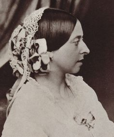 While Charles and Victoria don't visit Buckingham Palace, Queen Victoria does assist Tori (indirectly) during a time-travel fashion crisis. This is the Queen in 1854 at the age of Queen Victoria Family, Queen Victoria Prince Albert, Victoria And Albert, Reine Victoria, Victoria Reign, Roi George, British History, Asian History, Prince Albert