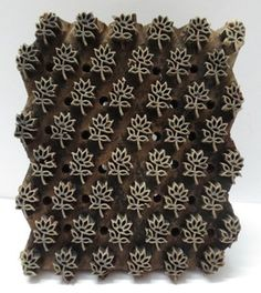 INDIAN WOODEN HAND CARVED TEXTILE PRINTING ON FABRIC BLOCK / STAMP FINE FLORAL PATTERN.  NICE COLLECTIBLE ITEM.  LOOK AT THE PHOTOGRAPHS FOR DETAILS AND CONDITION.  SIZE:- 16 X 13.5 X 7 CMS  WEIGHT:- 410 GRAMS