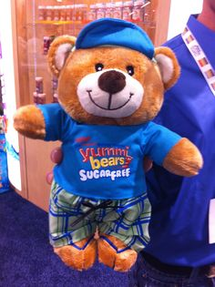 Suger Free Yummy Bear give-away. People were really lining up for this one!