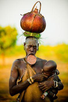 Mursi with Child, tribe ethiopia