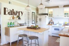 The Old Painted Cottage: Kitchen