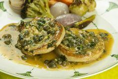Μπριζολακια χοιρινα με βελουδινη σαλτσα λεμονιου και καπαρης Salmon Burgers, Pork, Ethnic Recipes, Kitchen, Recipies, Kale Stir Fry, Cooking, Kitchens, Cuisine