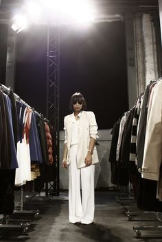 White suit, wide leg white trouser suit! chic