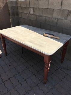 Refinishing Table Red Legs White Top : DIY