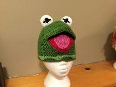 Crochet Kermie hat Crochet Hats, Beanie, Character, Knitting Hats, Beanies, Lettering, Beret