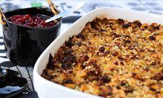 Kaalilaatikko on hyvää kotiruokaa, jonka maut hautuvat uunissa täyteläisiksi.