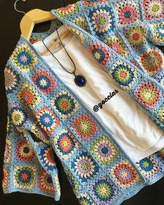 Transcendent Crochet a Solid Granny Square Ideas. Inconceivable Crochet a Solid Granny Square Ideas. Pull Crochet, Gilet Crochet, Crochet Coat, Crochet Cardigan Pattern, Granny Square Crochet Pattern, Crochet Squares, Crochet Motif, Crochet Clothes, Crochet Stitches