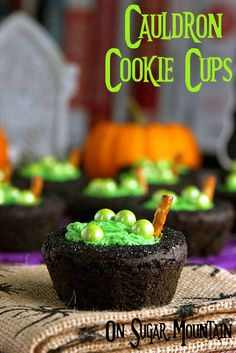 Double, double, toil and trouble, fire burn and cauldron bubble.these cauldron cookie cups are the perfect recipe for a Halloween party or… Halloween Desserts, Theme Halloween, Halloween Baking, Halloween Food For Party, Halloween Birthday, Halloween Cakes, Halloween Boo, Halloween Treats, Cookies