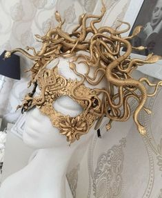 Medusa mask - snakes mask, golden mask with snakes, cosplay mask, fantasy mask - Maskers - Ornaments Meme Costume, The Mask Costume, Costume Makeup, Diy Medusa Costume, Costume Ideas, Snake Costume, Mummy Costumes, Cleopatra Costume, Art Costume