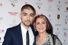 Happy Mother's Day: Music Stars & Their Moms Members Of One Direction, One Direction Quotes, Zayn Malik Family, Zayn Mailk, Music Awards, Happy Mothers Day, Billboard, Love Of My Life, Boy Bands
