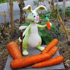 Crochet Rabbit Gardener and his carrot! DIY. Crochet pattern is available. Knitting and crocheting. Amigurumi pattern.