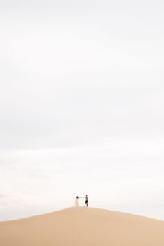 Sand Dune engagement shoot | Photos by Max and Friends | Read more - http://www.100layercake.com/blog/?p=75660