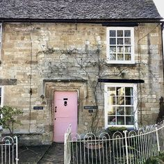 Classic Georgian Cotswold house Pink front door Burford: The Best Front Door Colours To Paint Cotswold Houses Part 3: Classic with a Twist over on Modern Country Style