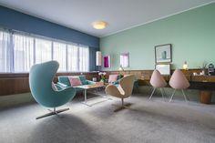 """Im Rahmen der Kampagne """"Love Blu, Be Pink"""" öffnet das kultige, vom legendären Arne Jacobsen entworfene Zimmer 606 im Oktober wieder seine Türen für Gäste."""