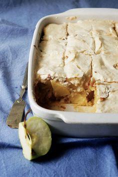 GÂTEAU MACARON aux POMMES https://www.lecoconutblog.com/2016/10/gateau-macaron-aux-pommes/ #gateau #dessert #macaron #pommes