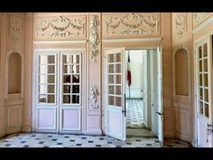 """Tag along to France for a video visit with Timothy Corrigan at his new French country home, Chateau de la Chevallerie. Tim takes us behind the scenes for a """". French Country Dining, French Country House, Country Headboard, Enchanted Home, Common Area, Cottage Style, Old Houses, House Tours, Decoration"""