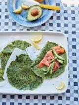 Spinach and spelt crepes with avocado