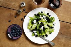 Blueberry, cucumber and Feta Salad by Sarah Digregorio I don't really like cucumbers, but this looks yummy! Easy Healthy Recipes, Raw Food Recipes, Salad Recipes, I Love Food, Good Food, Yummy Food, Feta Salad, Cucumber Salad, Cheese Salad