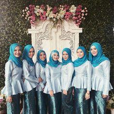 ♥ From the lovely ♥ . Kebaya Hijab, Kebaya Dress, Kebaya Muslim, Batik Kebaya, Bridal Hijab, Hijab Bride, Wedding Hijab, Wedding Dresses, Braids Maid Dresses