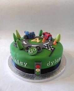 cake motorbike - Hledat Googlem 4th Birthday Cakes, Jaco, Birthdays, Desserts, Food, 6 Year Old, Anniversaries, Tailgate Desserts, Deserts