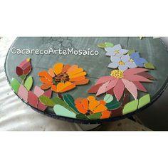 Mosaic Rocks, Mosaic Art, Mosaic Glass, Stained Glass, Mosaic Madness, Mosaic Flowers, Shabby Chic Crafts, Mosaic Projects, Mosaic Designs