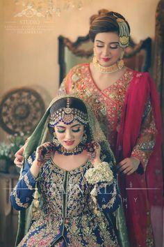 ideas bridal hijab styles pakistani for 2019 Bridal Hijab Styles, Bridal Mehndi Dresses, Pakistani Bridal Makeup, Pakistani Wedding Outfits, Indian Bridal Wear, Bridal Outfits, Bridal Lehenga, Pakistani Dresses, Pakistani Mehndi