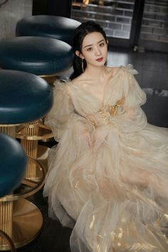 Zhao Li Ying, Chinese Actress, Asian Celebrities, Celebs, Actresses, Nightgowns, Stars, Shanghai, Idol