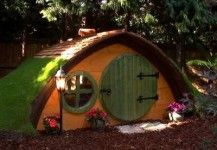 Tolkien' Magic with these beautifully crafted, original 'Hobbit Holes'. These little homes are perfect for children and big kids alike – a novel Wendy House or secret den! Prices from £8000 - See more at: http://www.highlifetreehouses.co.uk/tree-house-pictures/garden-hobbit-holes/#sthash.aCK6zAeB.dpuf