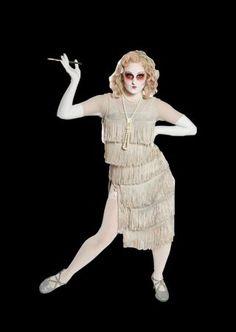 addams family musical ancestors - Google Search Adams Family Costume, Family Costumes, Group Costumes, Addams Family Cartoon, 1920s Costume, Morticia Addams, Family Set, Family Halloween, Costume Design