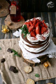 Panquecas de chocolate com morango | SAPO Lifestyle