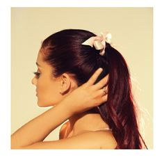 Ariana Grande. Love her hair!