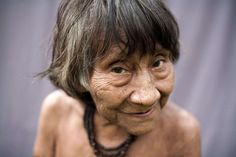 Please help Survival International support Brazil's Awa Tribe from the threat of loggers.