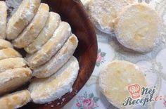 Citronová kolečka Czech Recipes, Salty Snacks, Lemon Cookies, Going Vegan, Christmas Cookies, Camembert Cheese, Deserts, Muffin, Food And Drink