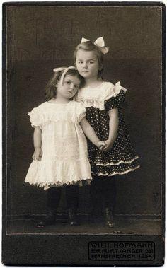 +~+~ Antique Photograph ~+~+  Sisters ~ 1905
