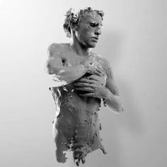 Julián Cánovas-Yañez through the lens of Alejandro Maestre Human Sculpture, Abstract Sculpture, Sculptures, Winged Victory Of Samothrace, Stone Statues, Multiple Exposure, Abstract Faces, Illusion Art, Painting Videos