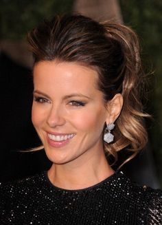 4 Simple And Quick Hairstyle Ideas Loved By Women — Teletype Celebrity Hairstyles, Braided Hairstyles, Wedding Hairstyles, Latest Hairstyles, Kate Beckinsale Pictures, Celebrity Beauty, Pompadour, Love Hair, Hair Dos