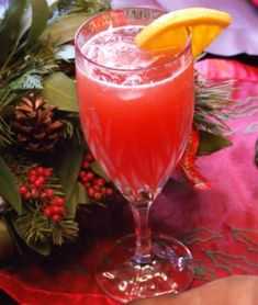 Christmas Mimosas - 12 Servings 4 cups cranberry juice, chilled  4 cups orange juice  2 (750 ml.) bottles Champagne, chilled  12 slices fresh orange, for garnish (optional)  Fill twelve 12-ounce glasses with ice.