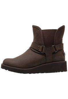 Schoenen UGG GLEN - Snowboots - chocolate Bruin: € 199,95 Bij Zalando (op 7-3-17). Gratis bezorging & retournering, snelle levering en veilig betalen!