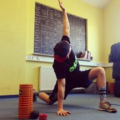 Getting ready for 16.4  #warmup #swoleandflexy #flosseverything #mobility…