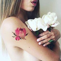 Peônia Peony / Aquarela Watercolor • Tattoo Artist: @Pissaro_tattoo . . ℐnspiração 〰 ℐnspiration . . #tattoo #tattoos #tatuagem #watercolor #tatuaje #ink #tattooed #tattooedgirls #TatuagensFemininas