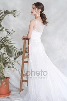 6款輕美式婚紗造型推薦-做個自然系活力新娘 Brides Maid Hair, Wedding Styles, Wedding Dresses, Fashion, Bride Dresses, Moda, Bridal Gowns, Fashion Styles, Weeding Dresses
