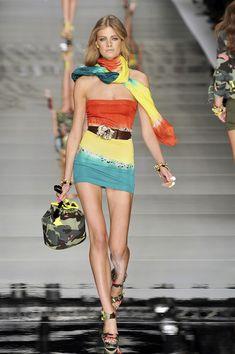 Blumarine at Milan Fashion Week Spring 2010 - Runway Photos