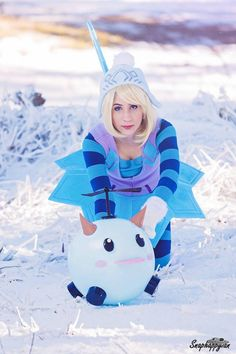 Cosplayer: Elizabethmaree Cosplay Character: Winter Wonder Orianna From: League of Legends