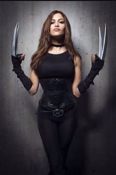 X-23 female Wolverine claws Cosplay
