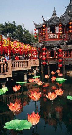 Yuyuan Garden tea house In Shanghai, China photo: Justin Guariglia on Fine Art America