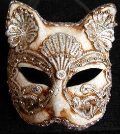 Masque félin vénitien.
