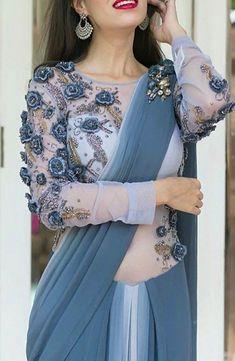 Modern Blouse Designs for Your Gorgeous Look - Fashion Saree Blouse Neck Designs, Saree Blouse Patterns, Bridal Blouse Designs, Modern Blouse Designs, Stylish Blouse Design, Stylish Sarees, Trendy Sarees, Elegant Saree, Saree Look