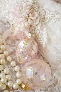 Shabby Ornaments Doesn't have to be Christmas ornaments, they're pretty.