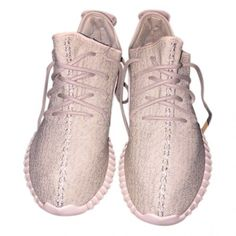 Sneakers YEEZY ($860) ❤ liked on Polyvore featuring shoes and sneakers